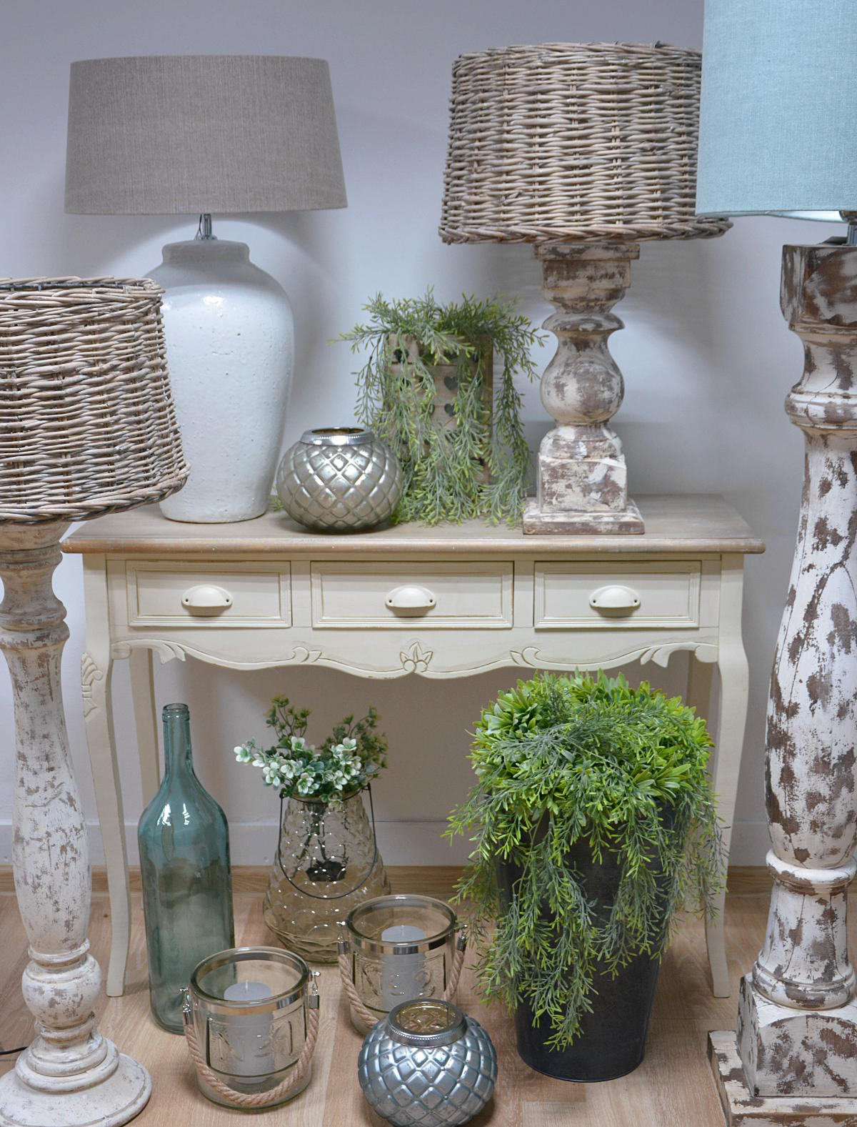 lampy stojące w stylu rustykalnym